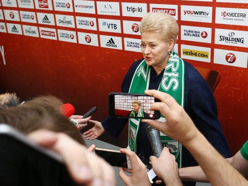 """Prieš mūšį su CSKA D. Grybauskaitė """"Žalgiriui"""" linkėjo sėkmės ir komandinės darnos"""
