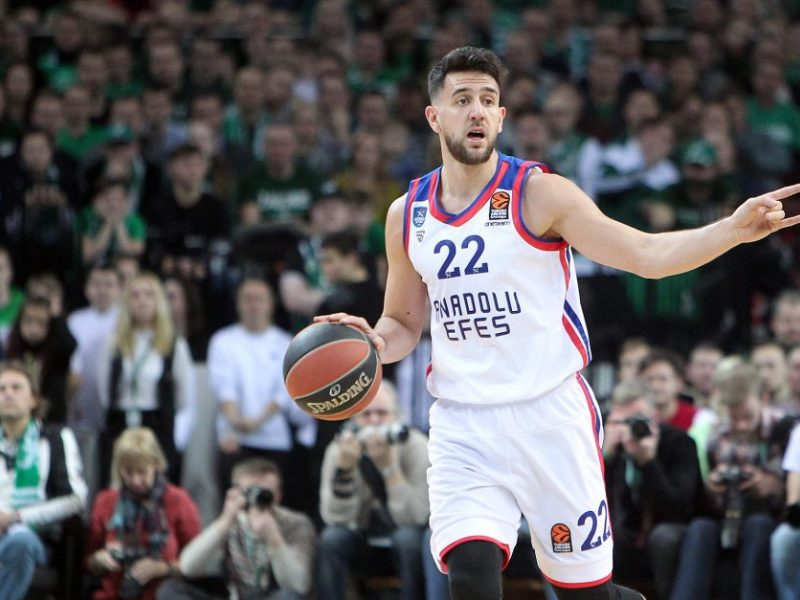 """""""Anadolu Efes"""" krepšininkai iškovojo pergalę Tel Avive"""