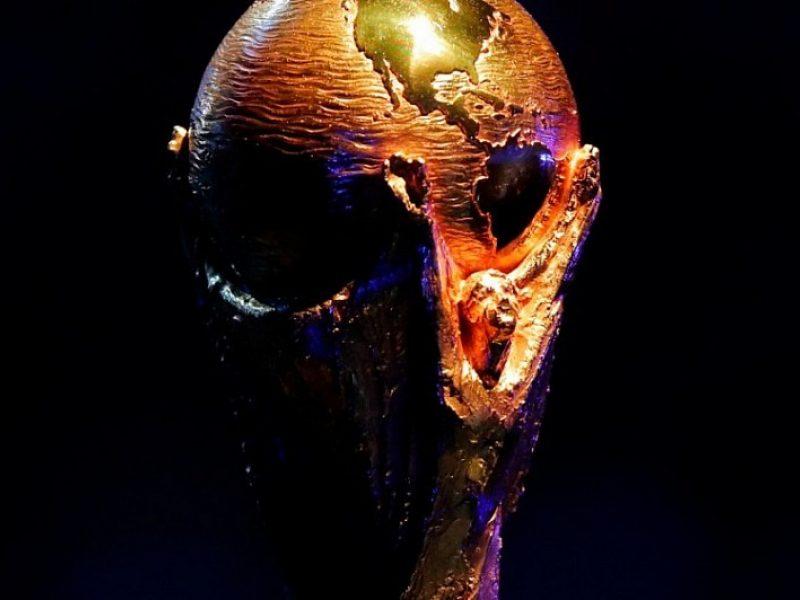 Pasaulio futbolo čempionatas prasidėjo: kokie rinktinių šansai?
