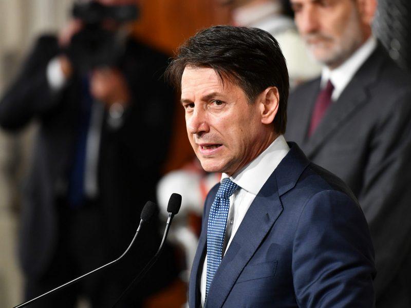 Italijos prezidentas premjeru patvirtino teisininką G. Conte