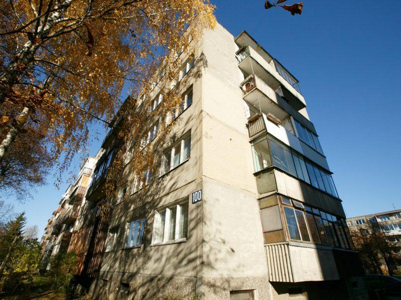 Mįslingas šūvis Kauno daugiabutyje: kaimynai netiki oficialia versija