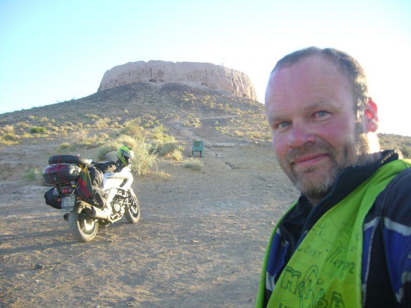 14 tūkst. kilometrų vienas įveikė motociklu