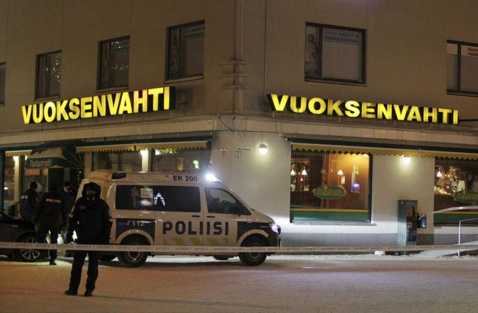 Suomijoje prancūzas įtariamas negyvai subadęs dukrą