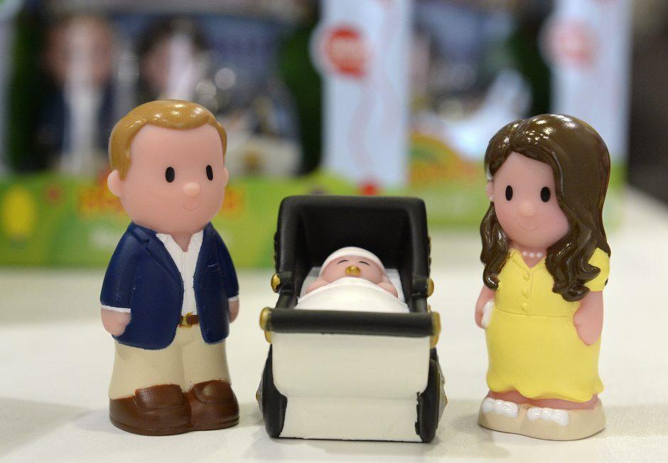 Kate and Williamas padėkojo jų kūdikiui padėjusiems gimti ligoninės darbuotojams