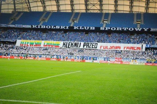 """Lenkija pažadėjo neleisti tokių plakatų, kaip Poznanėje per futbolo rungtynes su """"Žalgiriu"""""""