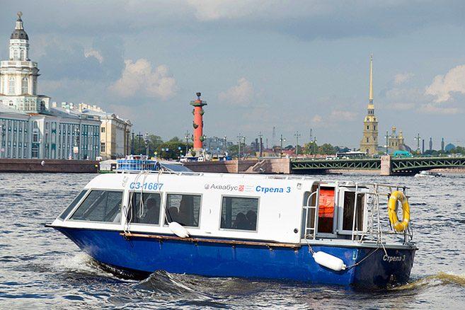 """Sankt Peterburge """"City Tour"""" maršrutą papildys kelionė vandeniu"""