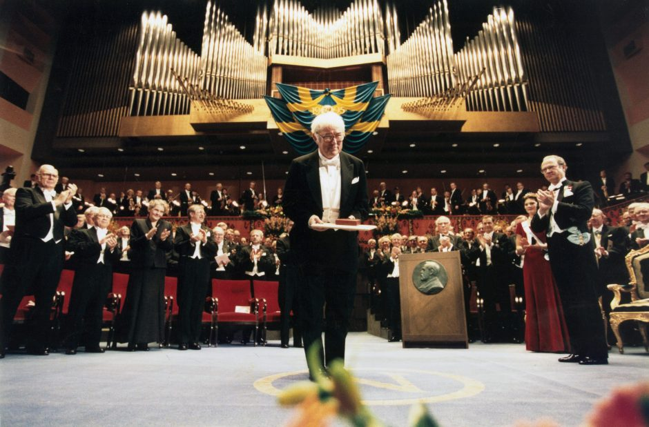 Mirė Nobelio literatūros premijos laureatas S. Heaney