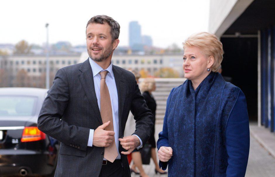 Lietuvoje viešintis Danijos princas Frederikas bendravo su Lietuvos moksleiviais
