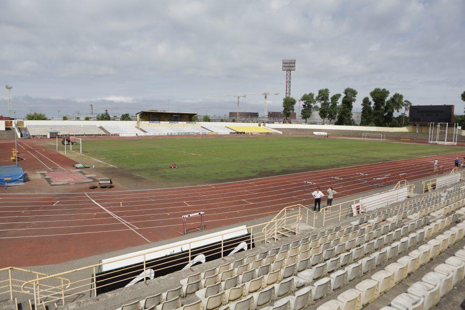 Klaipėdos centrinis stadionas liko be apšvietimo