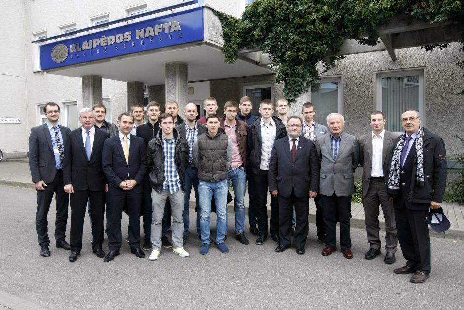 """Klaipėdos """"Naftos-Universiteto"""" krepšinio komanda – gyva"""