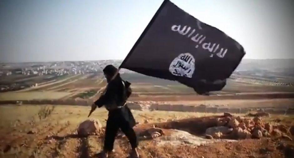 """""""Al Qaeda"""" žada """"keršto ugnikalnį"""" dėl numanomos cheminės atakos Sirijoje"""