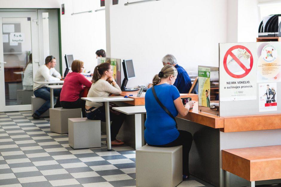 Darbo biržos slenkstį mina jaunų bedarbių armija