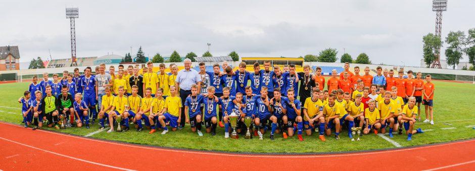 Futbolo turnyras Mero taurei laimėti