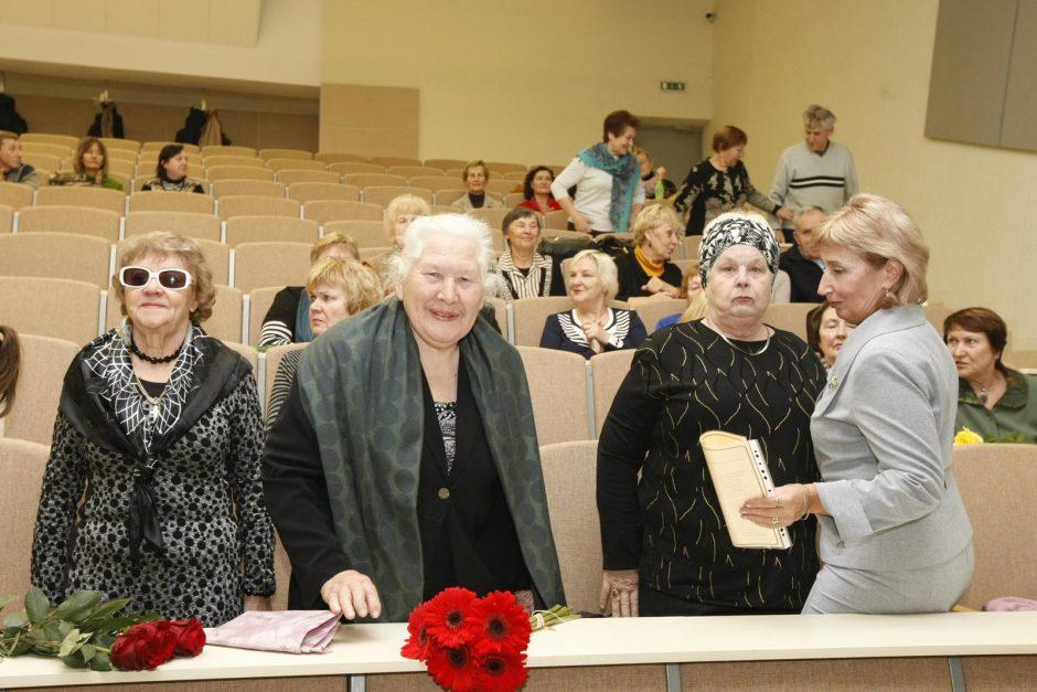 Senjorams – Trečiojo amžiaus universiteto diplomai
