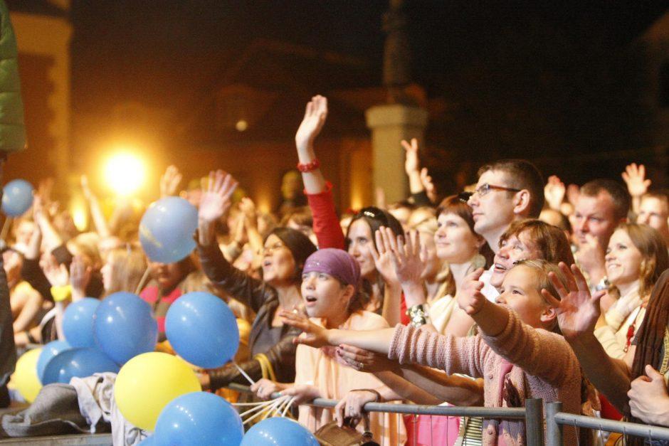 Vakaro koncertus vainikavo Jūros šventės fejerverkas