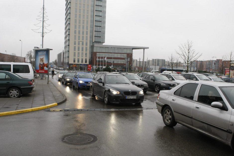 """""""Jamam"""" akcijos sugundyti klaipėdiečiai užkimšo automobilių aikšteles"""