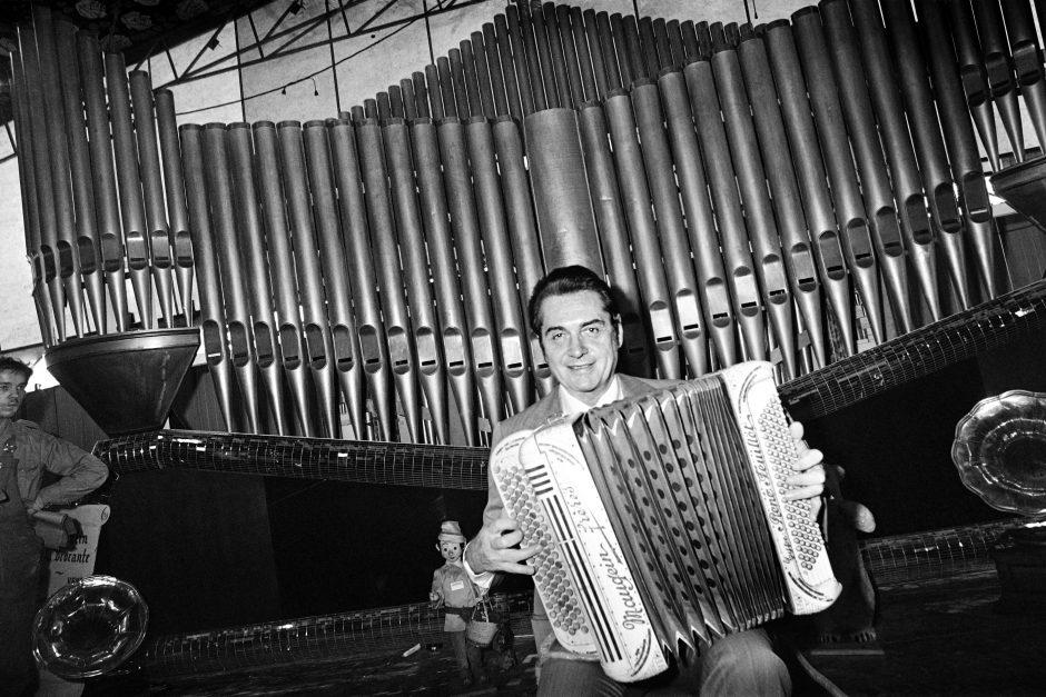 Mirė Prancūzijos akordeono virtuozas A. Verchurenas
