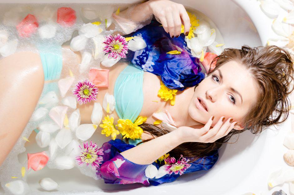 Mokslininkai: karšta vonia gelbėja nuo vienatvės