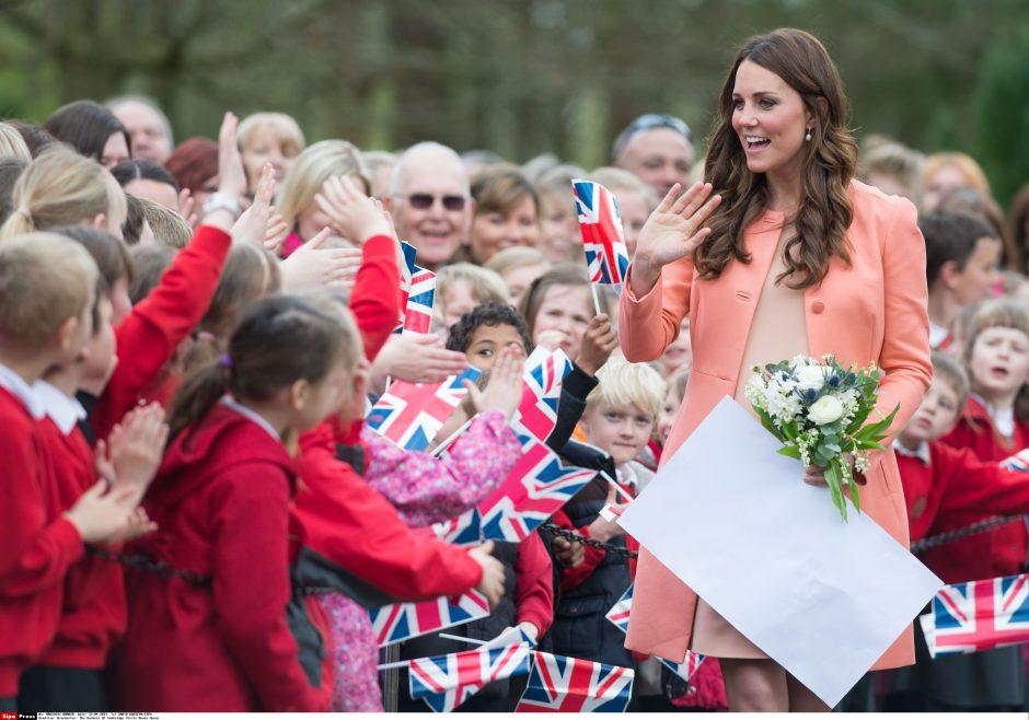 K. Middleton efektas: britės nėščiosios mėgdžioja hercogienės stilių