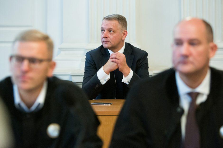 Prokuroras prašo negrąžinti E. Masiuliui per kratas paimtų 242 tūkst. eurų