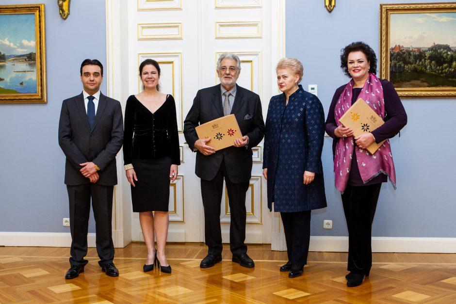 Operos žvaigždė P. Domingo – Prezidentūroje