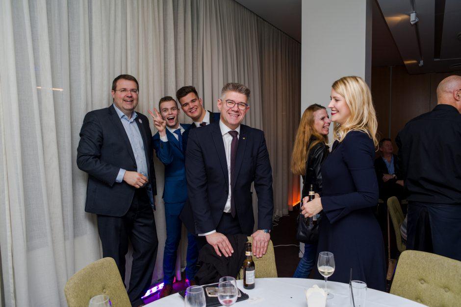 Islandų laukia sunkios derybos dėl koalicijos
