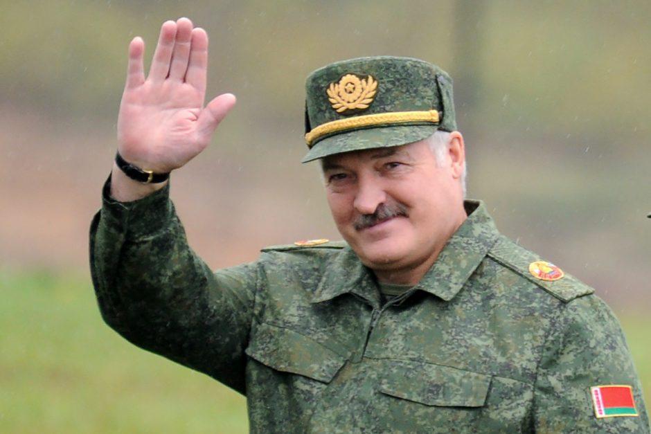 """Baltarusijos prezidentas nurodė spręsti """"keisčiausios sienos Europoje"""" problemą"""