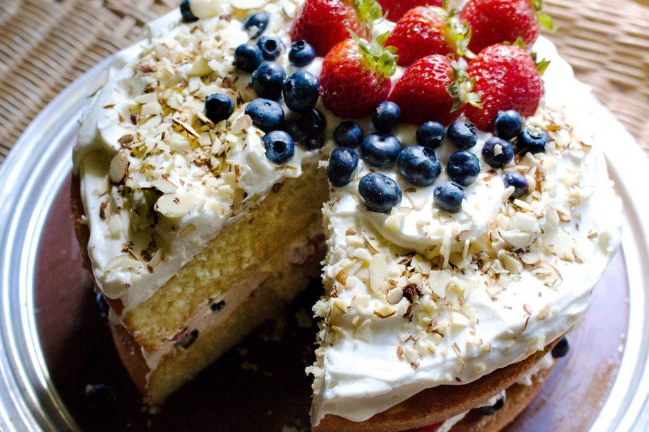 Dovana mamai: dar suspėsite iškepti puikų tortą (receptas)