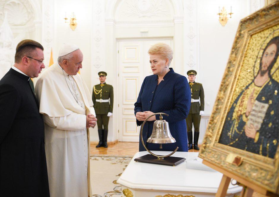 Popiežius užsuko į Prezidentūrą