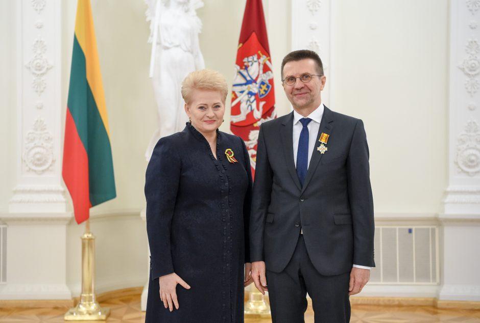 Už nuopelnus Lietuvai – valstybės apdovanojimai
