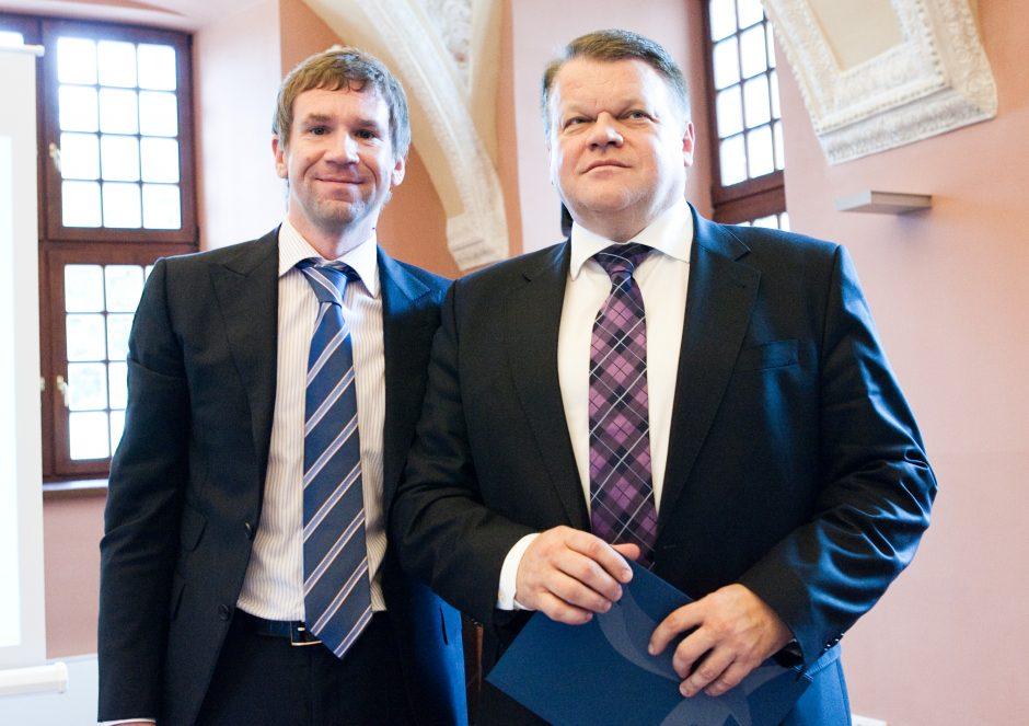 """Seimas pritarė pataisoms, leidžiančioms teisti """"Snoro"""" vadovus už akių"""