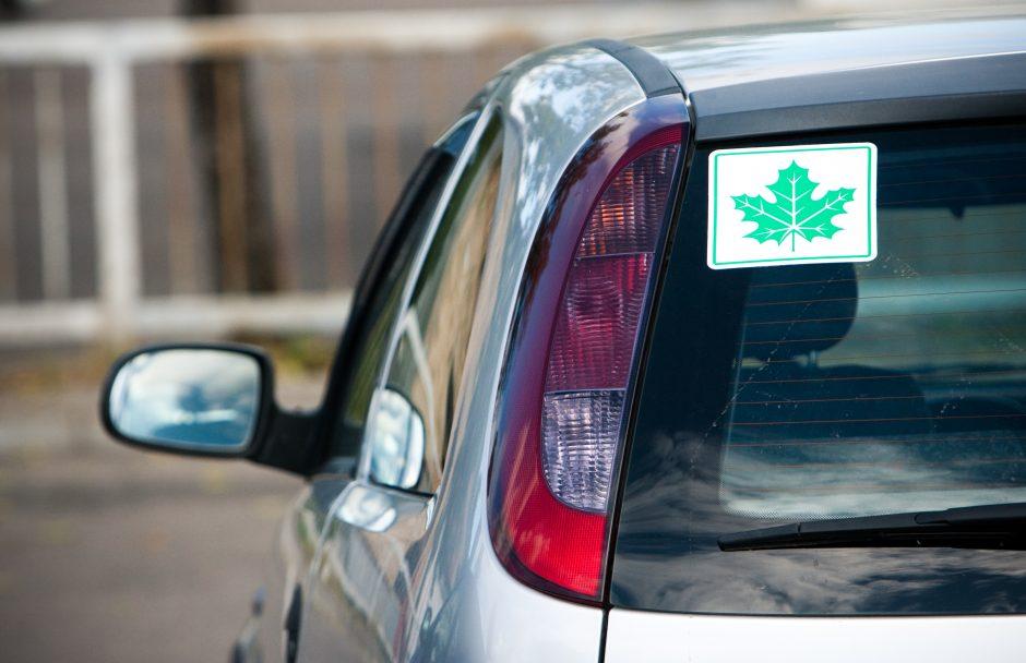 Policijai vėl įkliuvo žalią lapą slėpęs vairuotojas