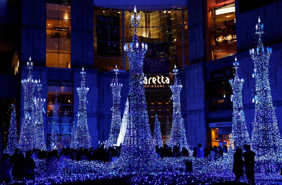 Japonai energiją, skirtą kalėdinei mugei, gauna iš aliejaus