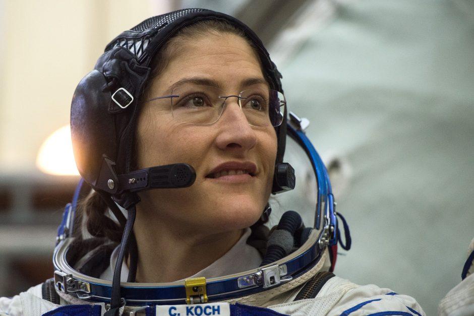 Planuojamas pirmas per žmonijos istoriją dviejų moterų išėjimas į atvirą kosmosą