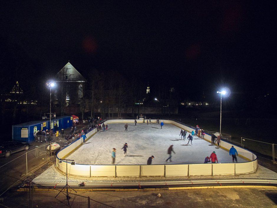 Kaune atidaryta milžiniška čiuožykla po atviru dangumi