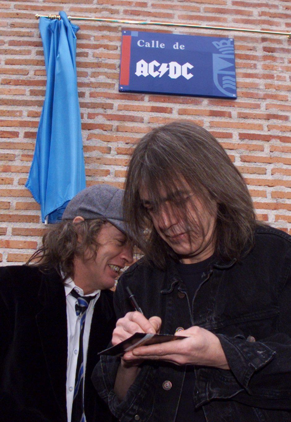 Su pasauliu atsisveikino AC/DC narys M. Youngas