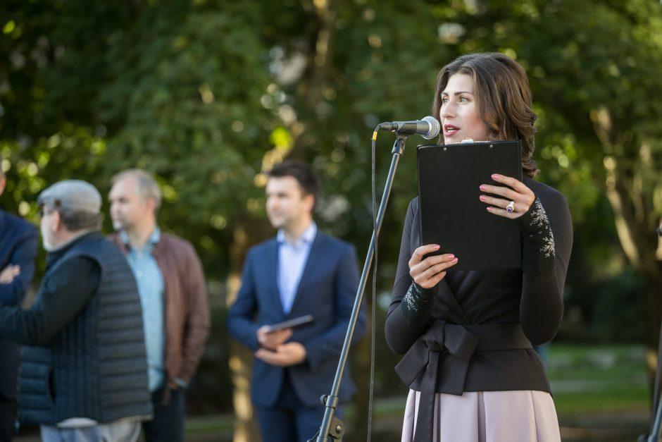 Vilniuje atidaryta poeto S. Gedos vardo alėja