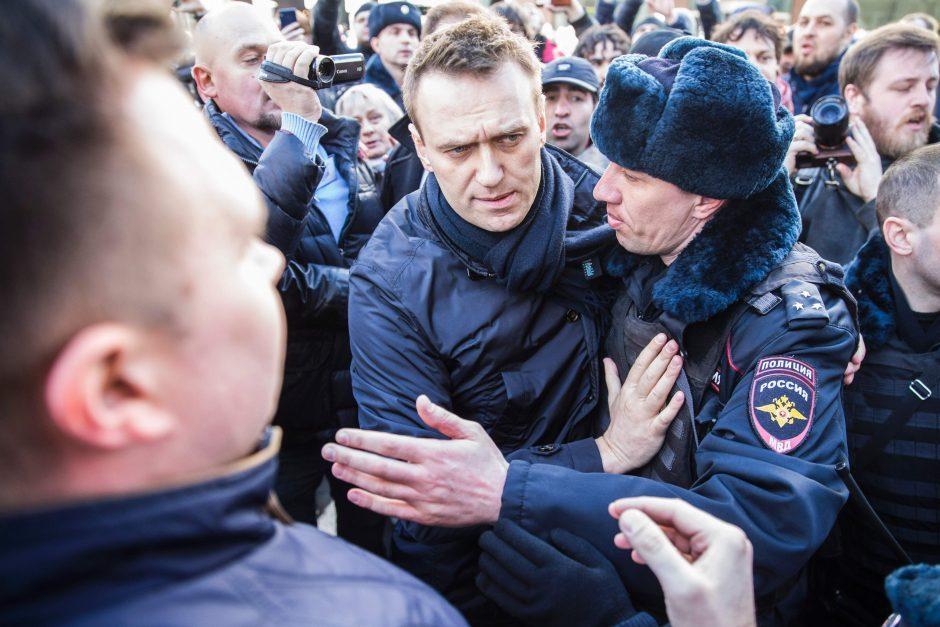 Rusija imasi griežtų priemonių prieš protestus organizavusius aktyvistus