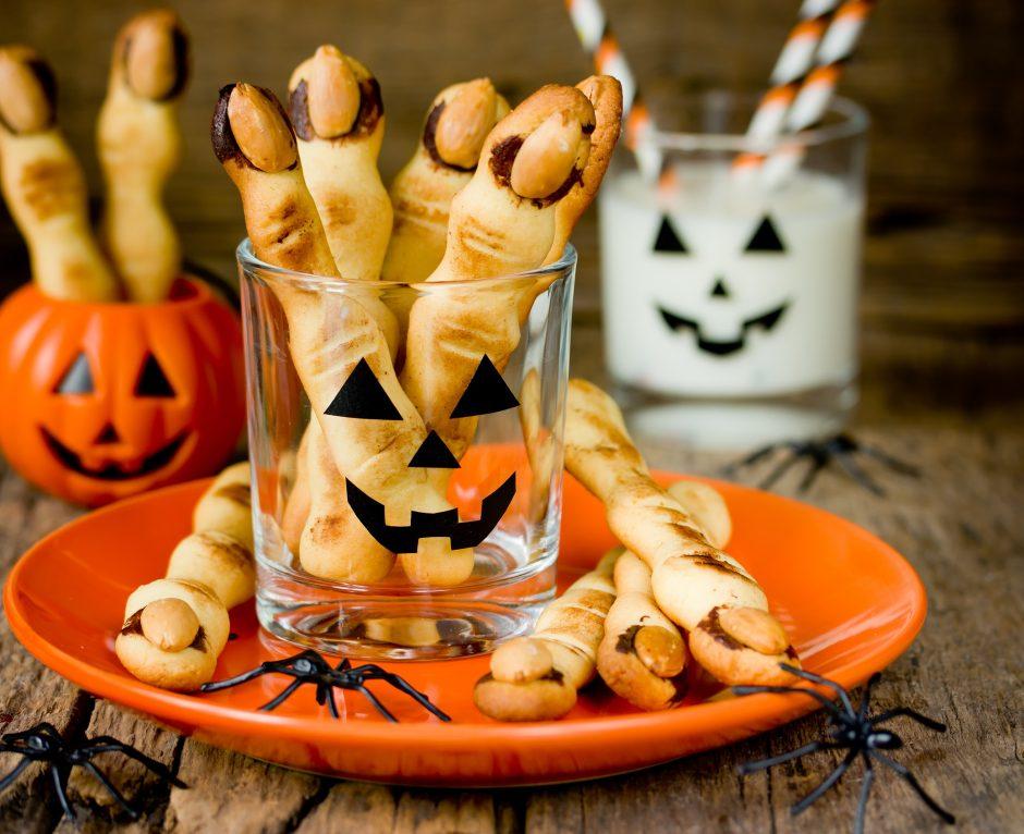"""Pasiruošimas Helovino vakarėliui: penkios """"siaubūniškų"""" užkandžių idėjos (receptai)"""