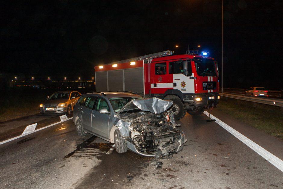 Keturios eismo nelaimės kelyje Vilnius-Kaunas