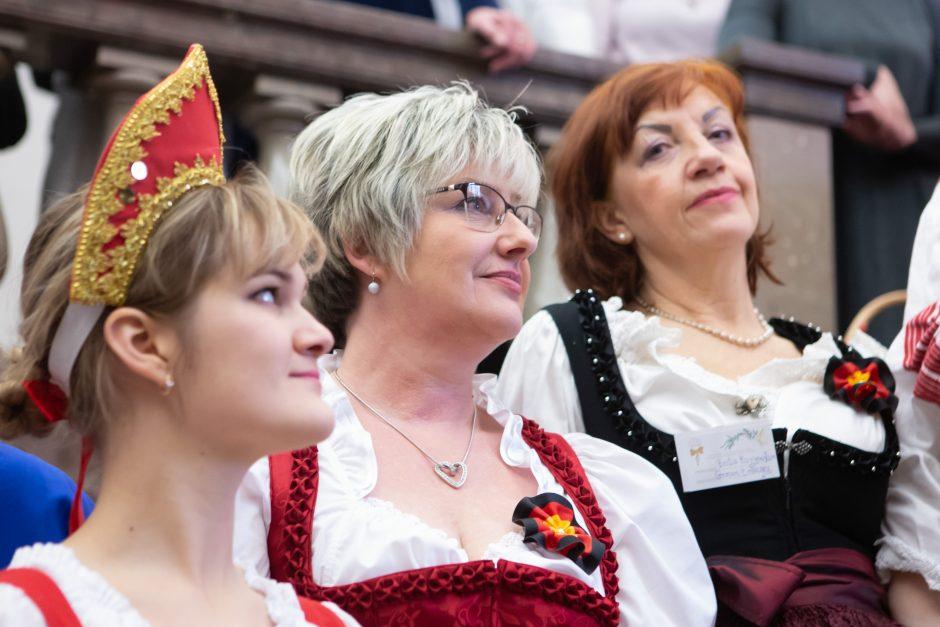 Vilniuje duris atvėrė Tarptautinė Kalėdų labdaros mugė