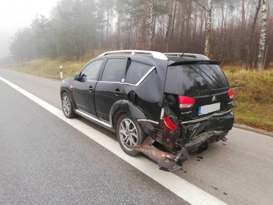 Greitkelyje susidūrė moterų vairuojami automobiliai, yra sužalotų