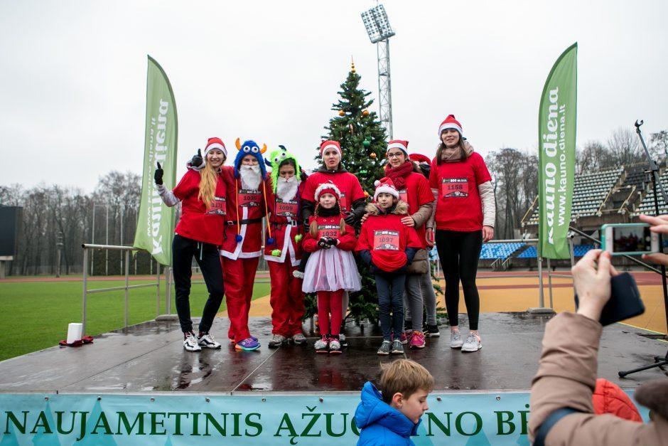 """""""Naujametinis Ąžuolyno bėgimas"""" pranoko lūkesčius – sulaukė 1000 dalyvių"""