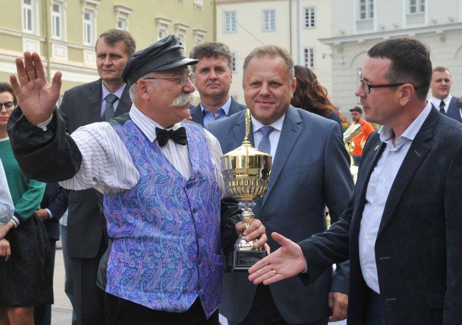 """Ralio """"Aplink Lietuvą – 2018"""" finišas: paaiškėjo absoliutūs nugalėtojai"""
