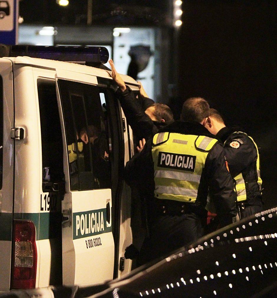 Panevėžyje du vyrai sumušė girtą policininką