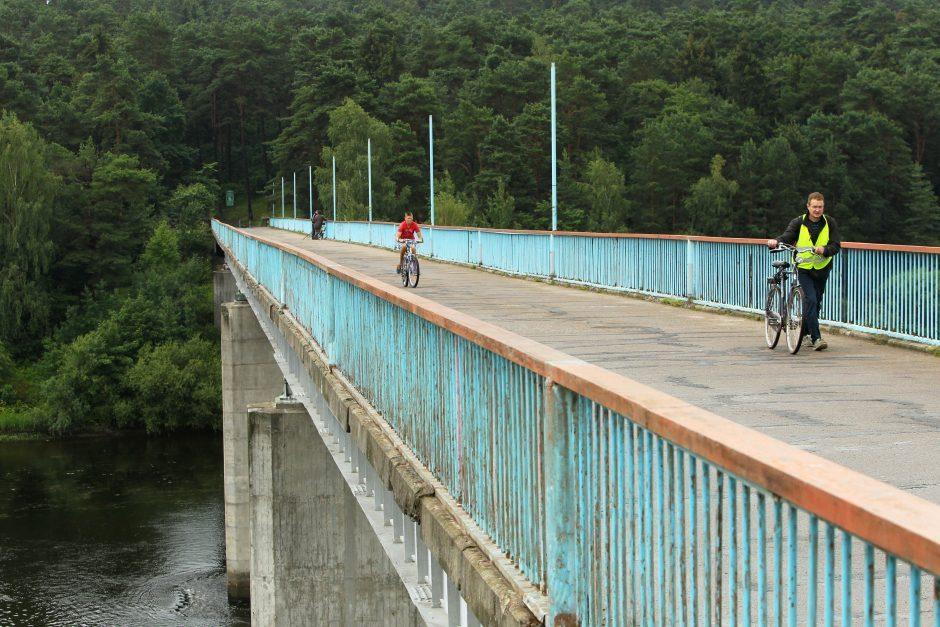 Nemune po Trijų mergelių tiltu aptiktas vyro kūnas
