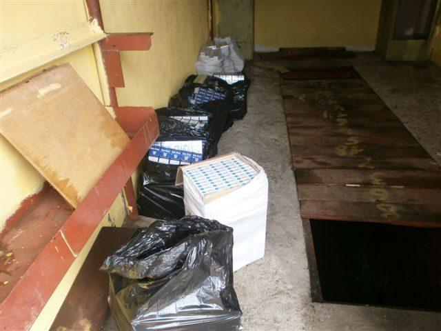 Kaštonų gatvės garažuose - cigarečių slėptuvė