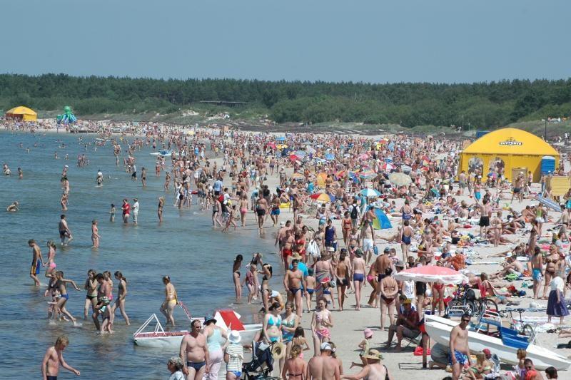 Palangos paplūdimiuose policija vaikė nelegalius prekiautojus