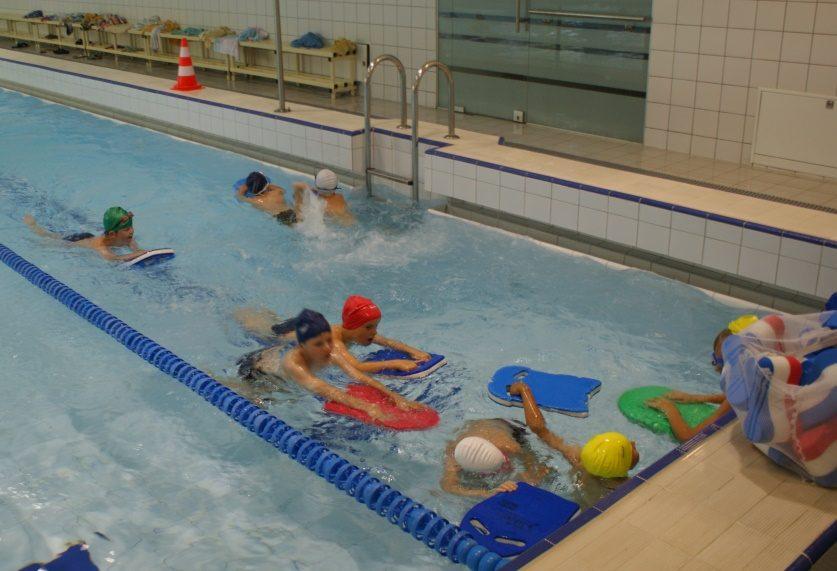 Uostamiesčio moksleivius kviečia į nemokamas plaukimo treniruotes