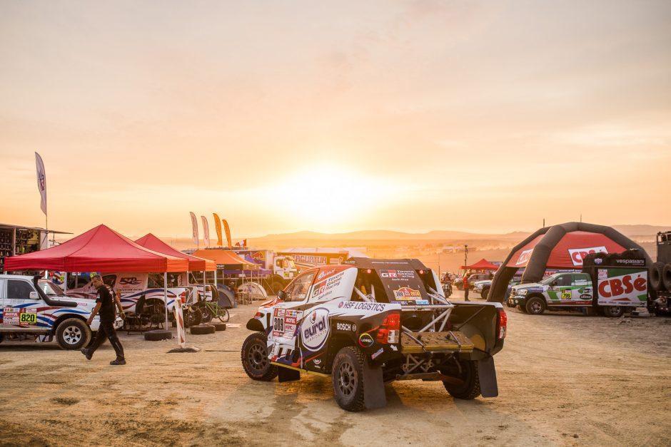 Dakaras po trijų etapų: rokiruotės visur, kur tik įmanoma